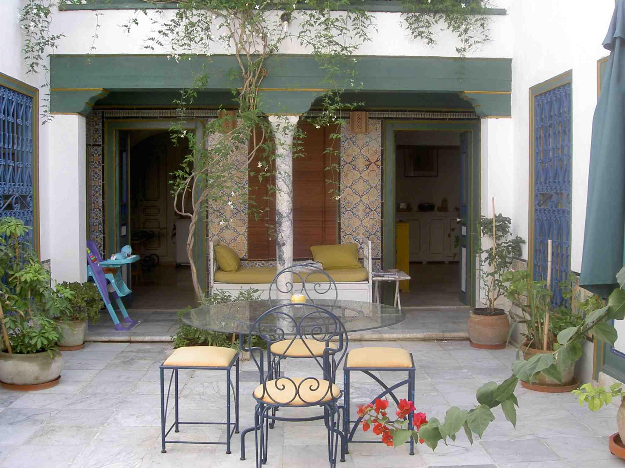 La chambre et les tarifs chambre d 39 h tes tunis for Au jardin guest house riebeeckstad